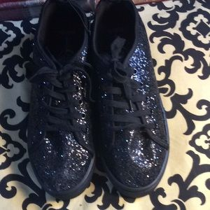 Sole mates black speckles sneakers